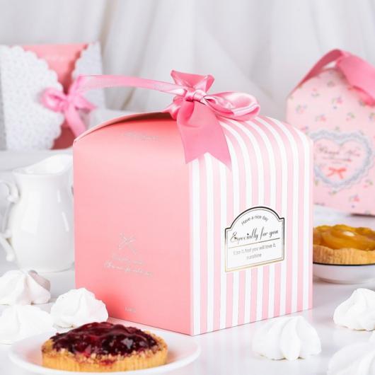 Коробка сборная для сладкого 14,5*14,5*15 см розовая